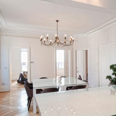 Les travaux de rénovation réalisés par Marc Gallitelli ont permis de gagner en luminosité dans cet appartement haussmannien à Mulhouse.